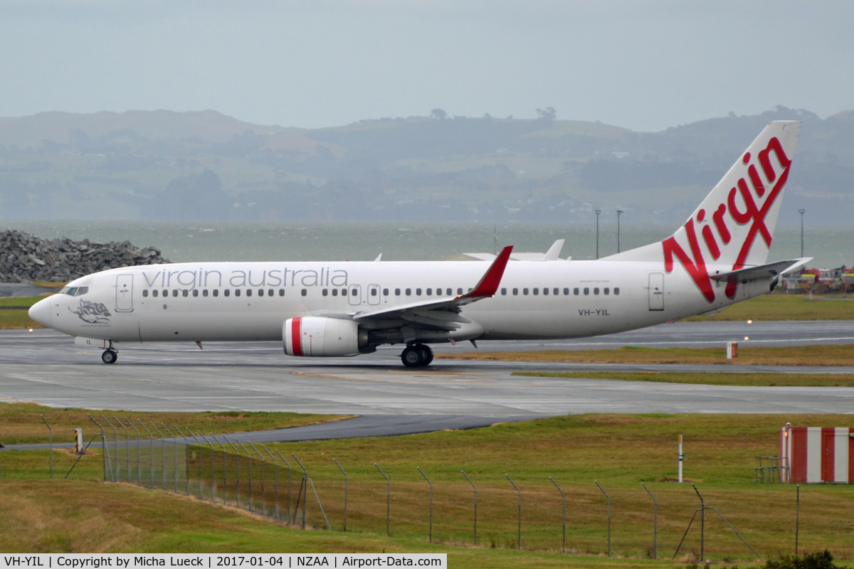 VH-YIL, 2012 Boeing 738-8FE C/N 38713, At Auckland