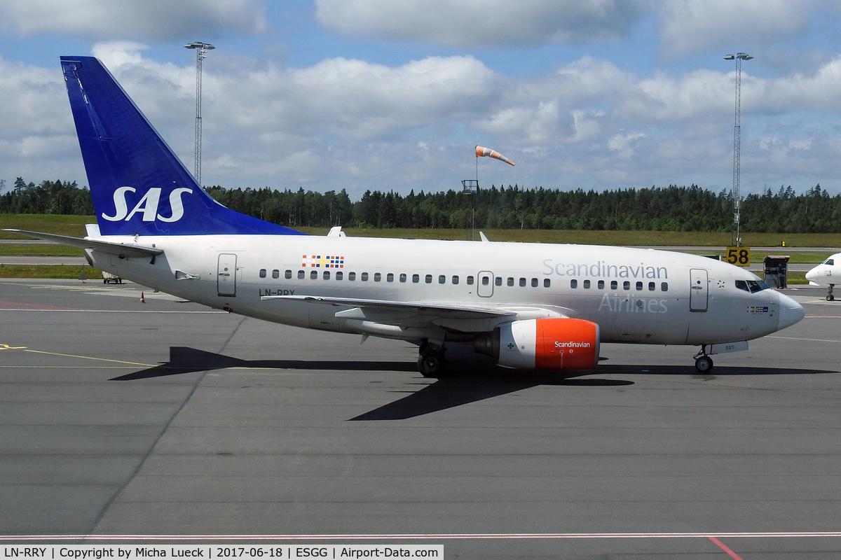 LN-RRY, 1998 Boeing 737-683 C/N 28297, At Gothenburg