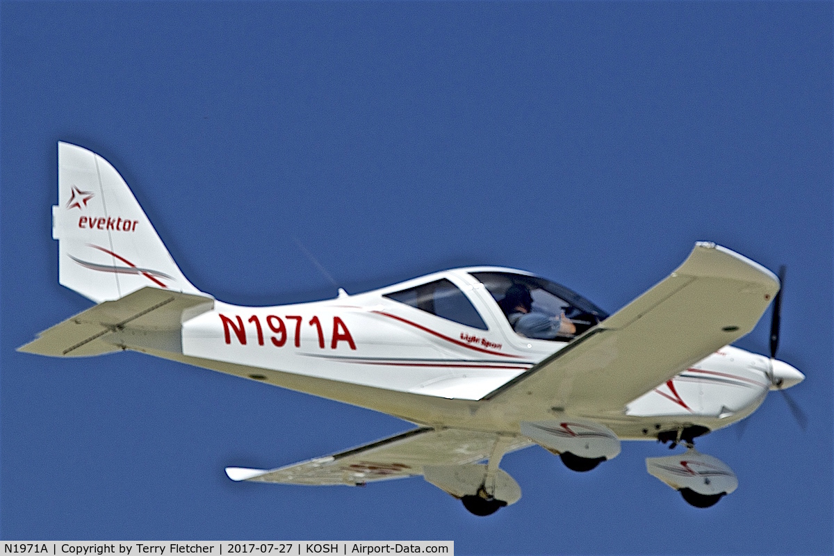 N1971A, 2014 Evektor-Aerotechnik Harmony LSA C/N 2014-1703, At 2017 EAA AirVenture at Oshkosh