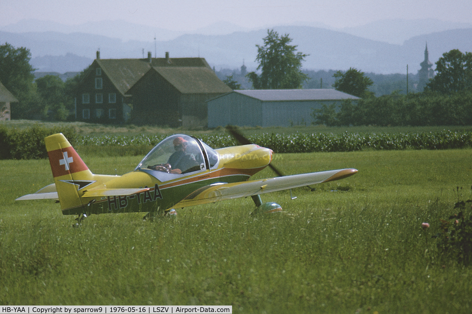 HB-YAA, 1975 Pagasus SW-01 C/N SW-01, At Sitterdorf airfield. Scanned from a color-negative.