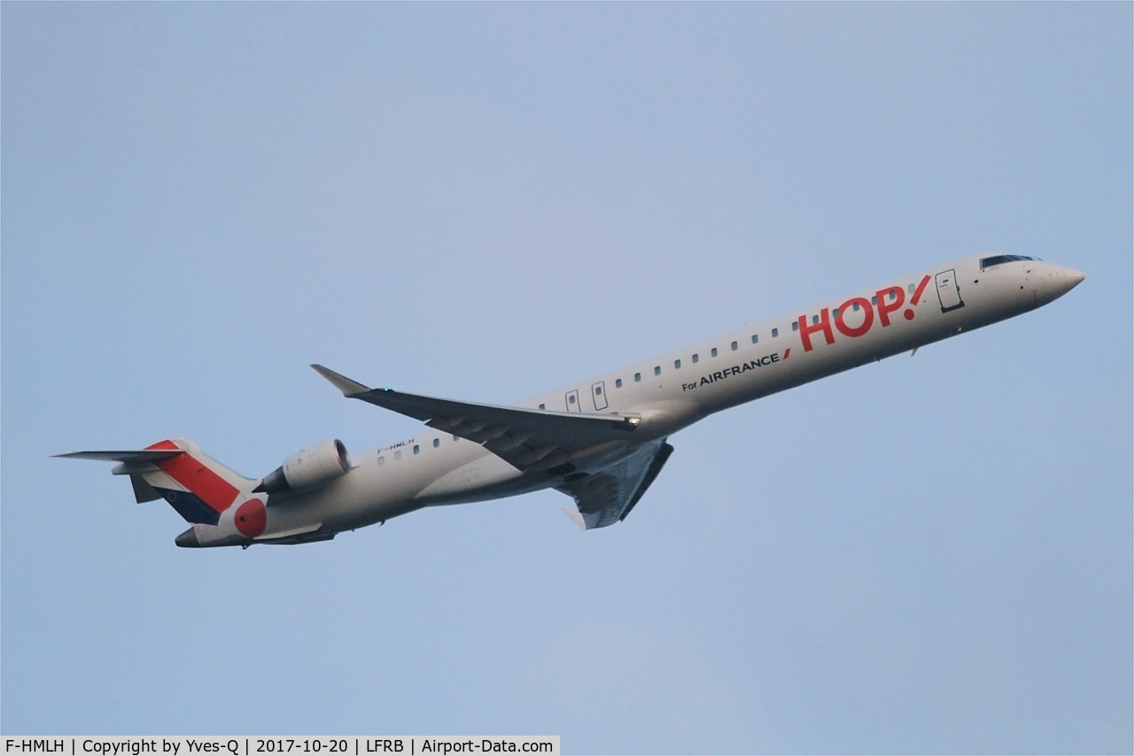 F-HMLH, 2011 Bombardier CRJ-1000EL NG (CL-600-2E25) C/N 19013, Bombardier CRJ-1000EL NG, Take off rwy 07R, Brest-Bretagne airport (LFRB-BES)