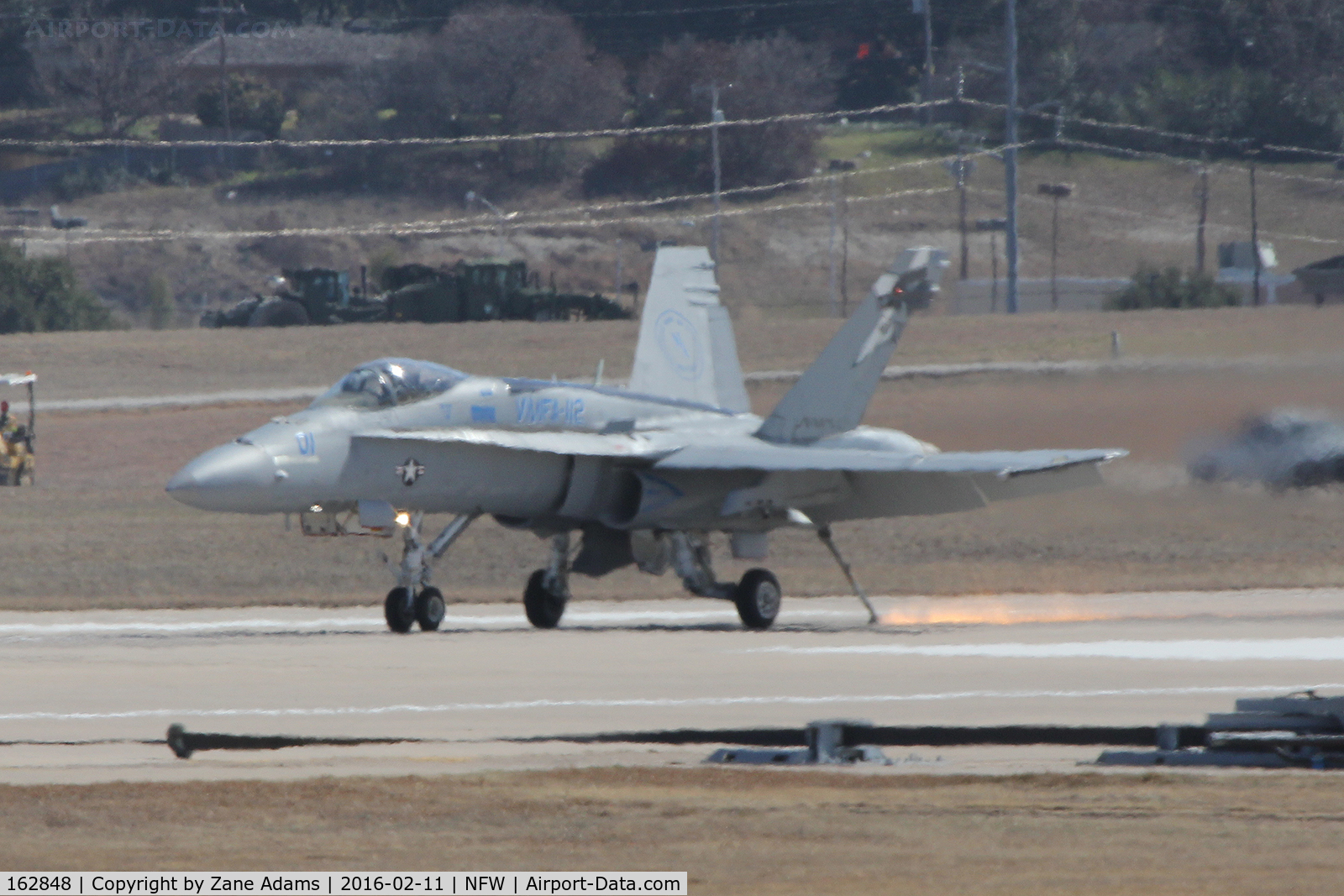 162848, McDonnell Douglas F/A-18A++ Hornet C/N 374/A313, Catching the wire at NAS fort Worth