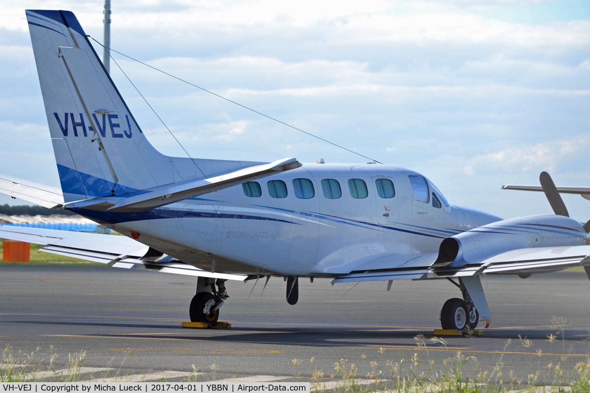 VH-VEJ, 1981 Cessna 441 Conquest II C/N 441-0249, At Brisbane