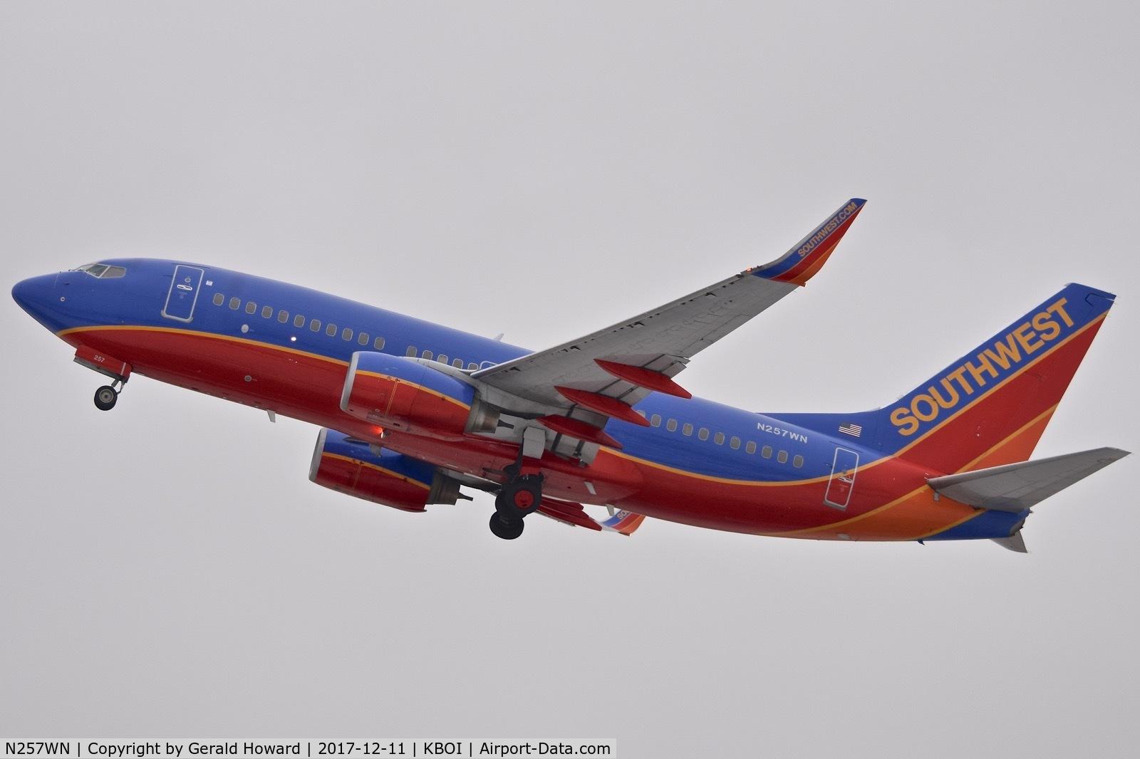 N257WN, 2006 Boeing 737-7H4 C/N 32515, Departing BOI.
