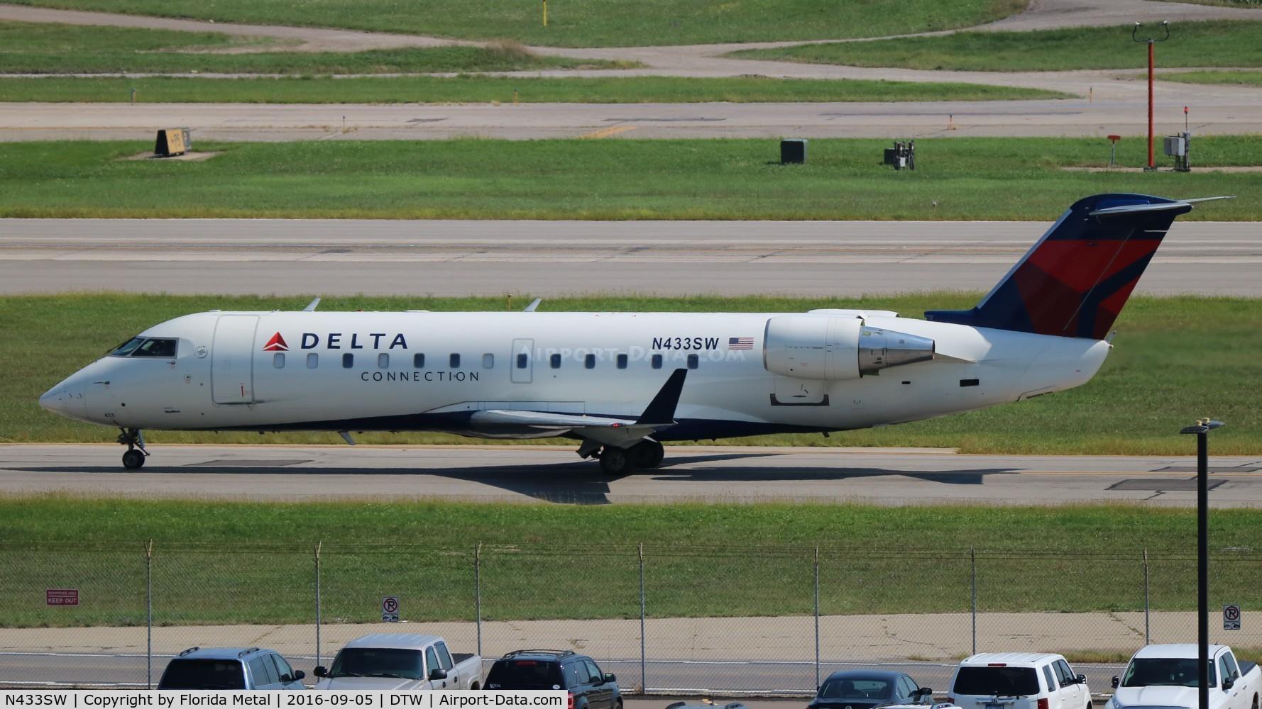 N433SW, 2001 Bombardier CRJ-200LR (CL-600-2B19) C/N 7550, Skywest