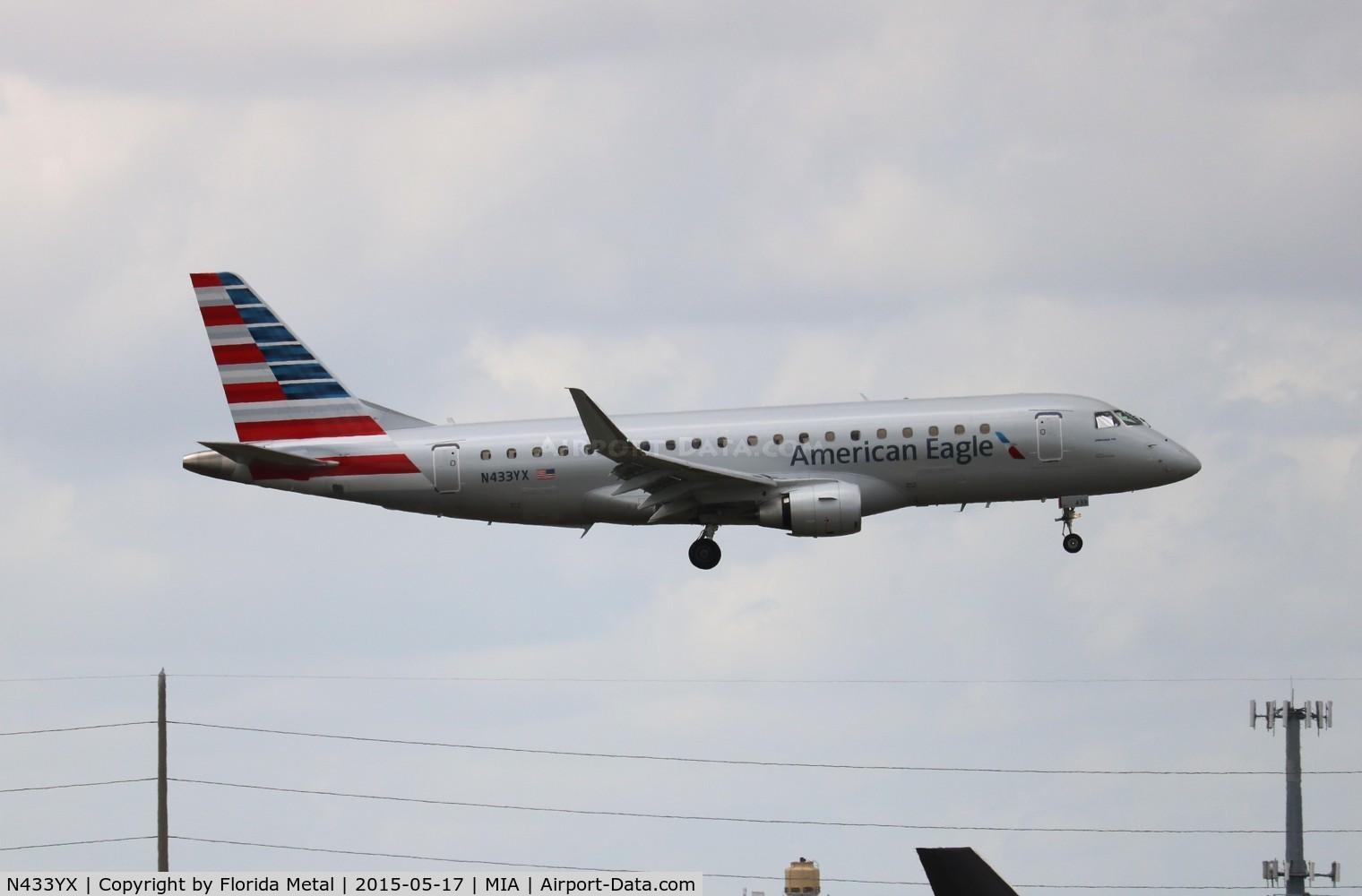 N433YX, 2014 Embraer 175LR (ERJ-170-200LR) C/N 17000417, American Eagle