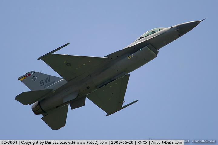 92-3904, 1992 Lockheed F-16C Fighting Falcon C/N CC-146, F-16CJ Fighting Falcon 92-3904 SW from 77th FS