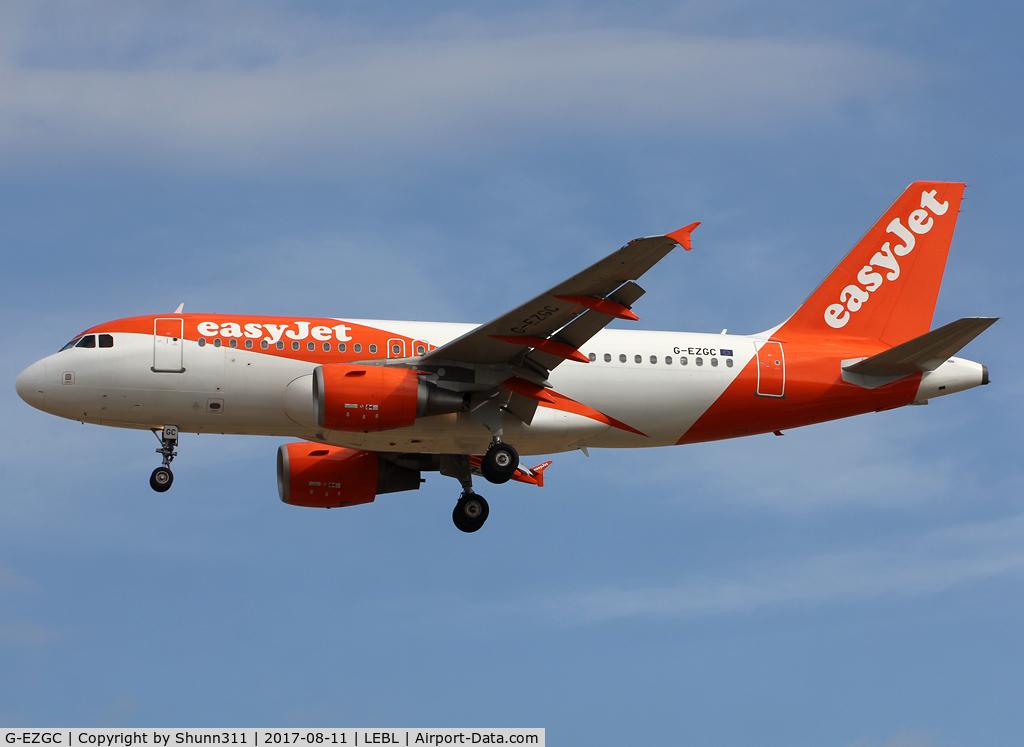 G-EZGC, 2010 Airbus A319-111 C/N 4444, Landing rwy 25R in new c/s