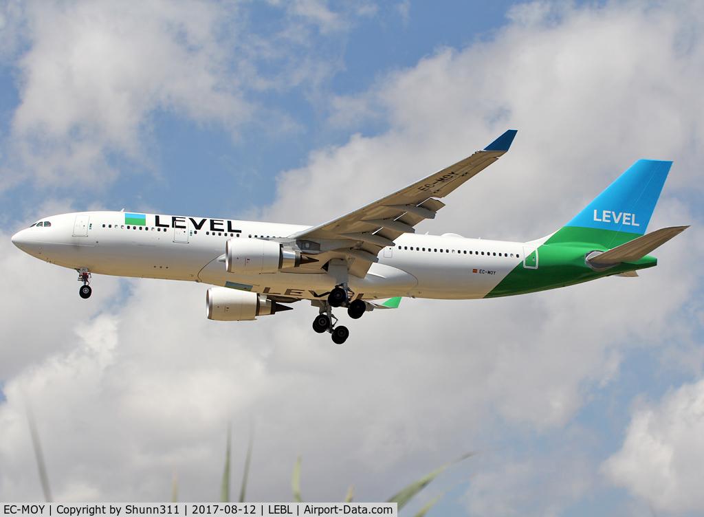 EC-MOY, 2017 Airbus A330-202 C/N 1784, Landing rwy 25R