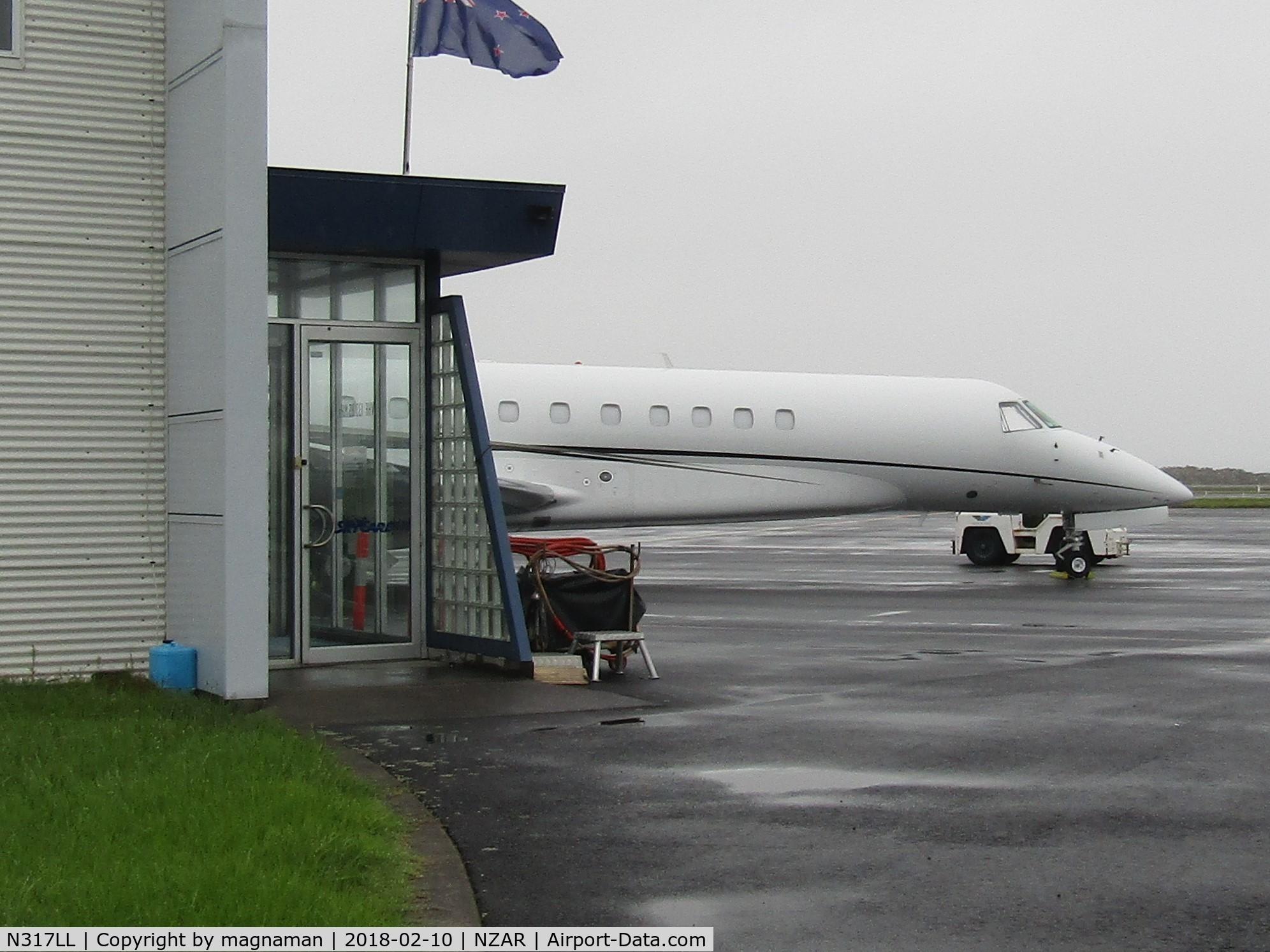 N317LL, 2007 Embraer EMB-135BJ Legacy 600 C/N 14501007, hiding behind exec terminal
