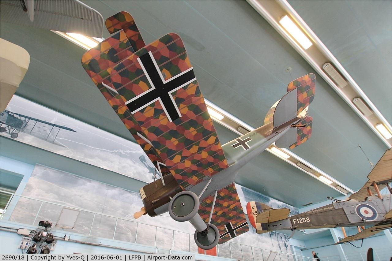 2690/18, 1918 Pfalz DXII C/N 3240, Pfalz DXII, Air & Space Museum Paris-Le Bourget Airport (LFPB-LBG)