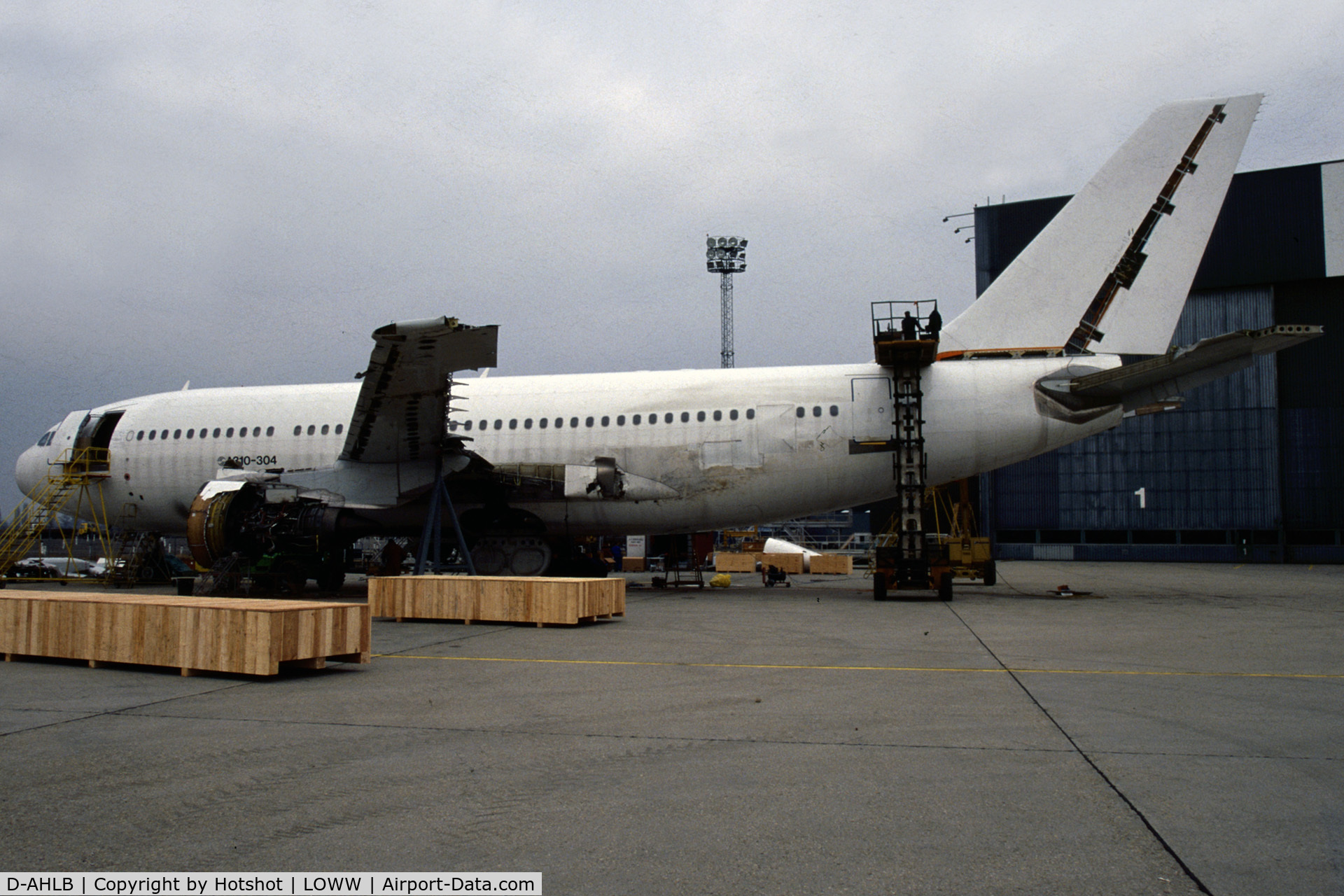 D-AHLB, 1989 Airbus A310-304 C/N 528, Being broken-up after the crash in Hapag Lloyd service