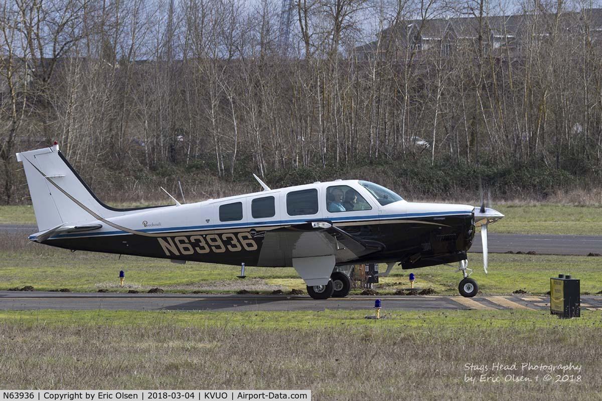 N63936, 1982 Beech A36 Bonanza 36 C/N E-2053, Beech A36 about to depart Pearson field