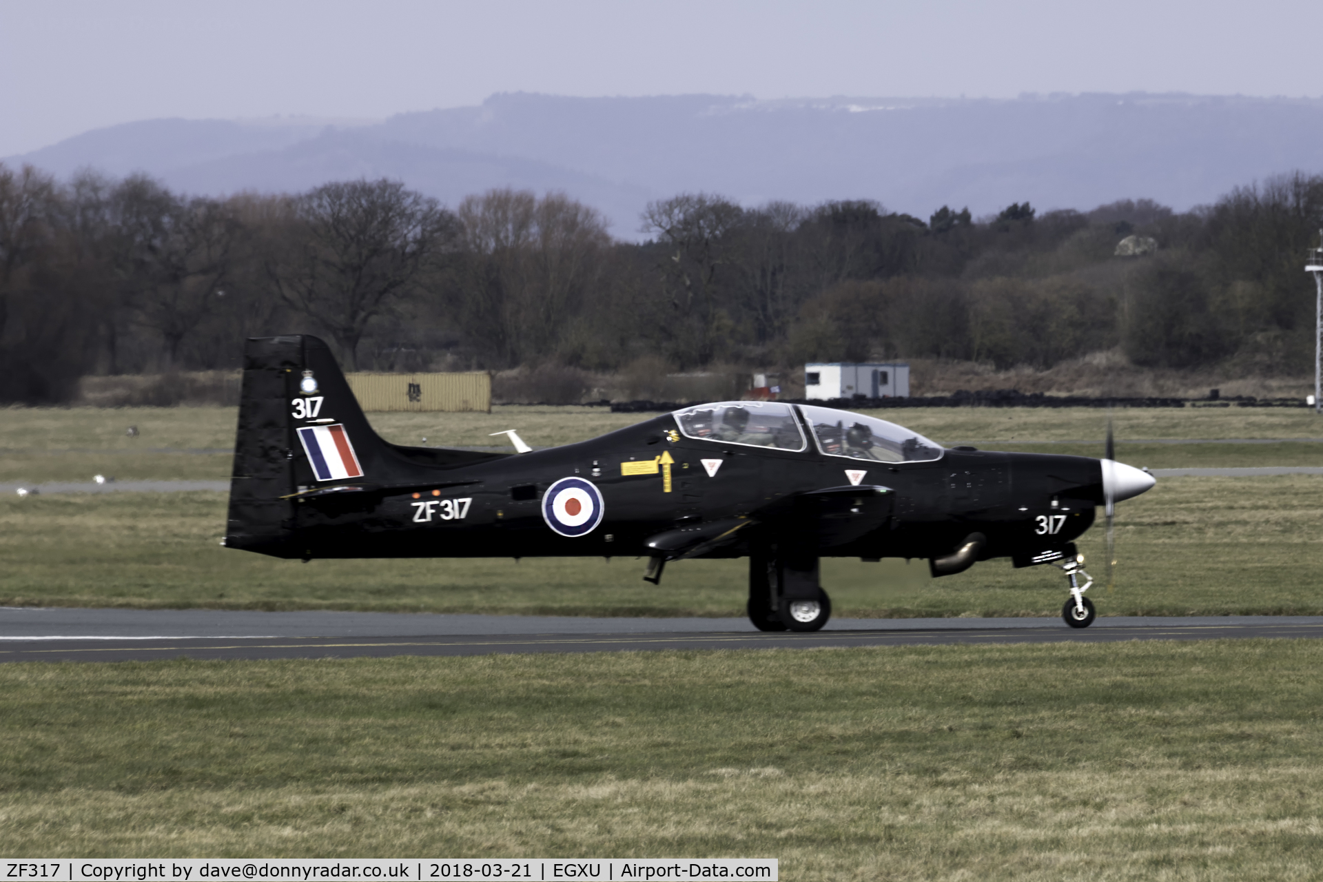 ZF317, Short S-312 Tucano T1 C/N S098/T69, ZF317 returning to the pan at Linton-on-Ouse
