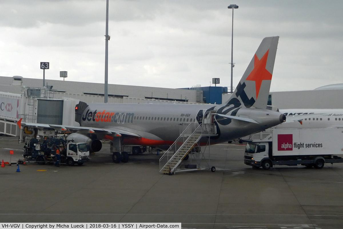 VH-VGV, 2010 Airbus A320-232 C/N 4229, At Mascot
