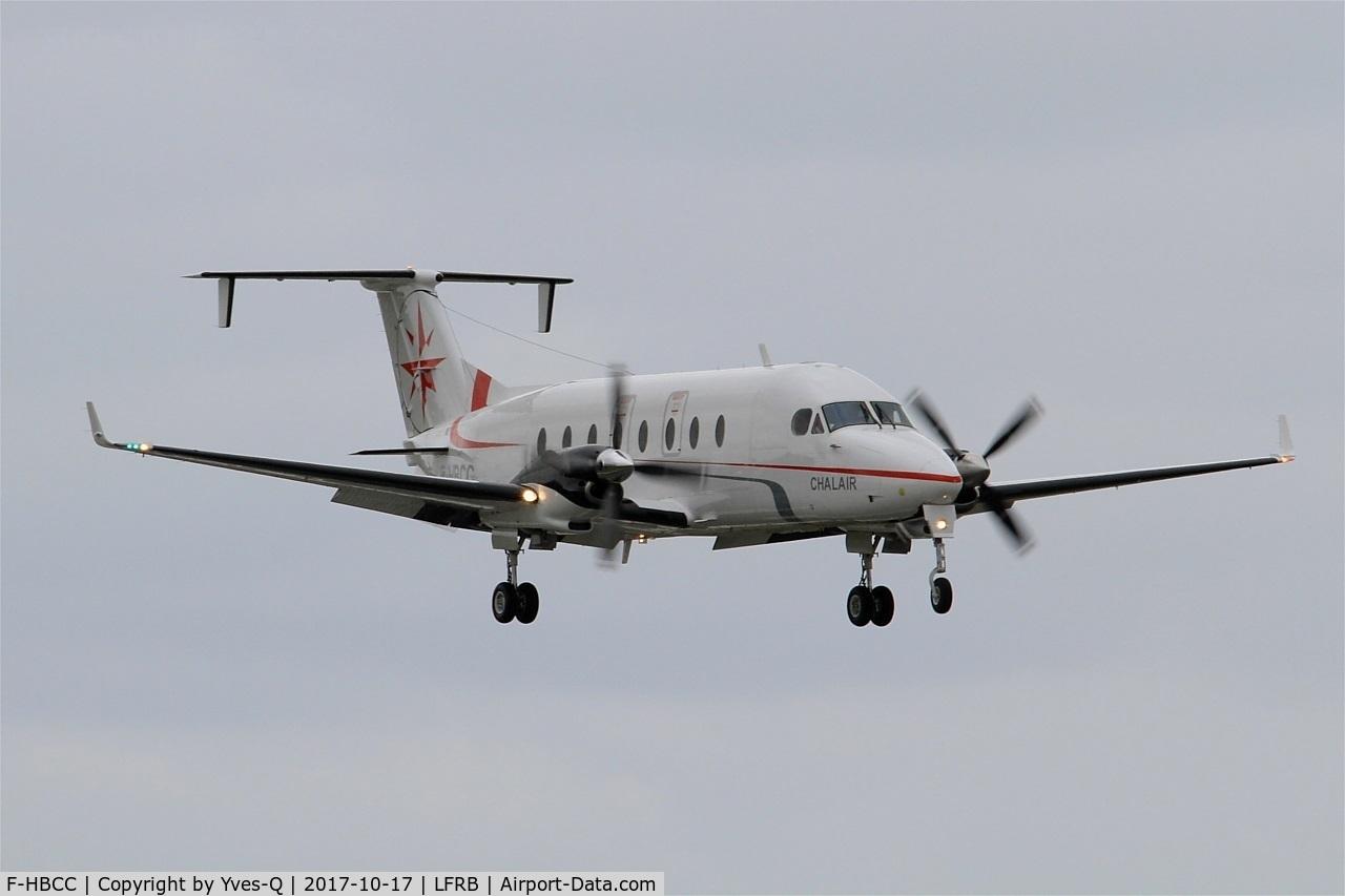 F-HBCC, 1999 Beech 1900D C/N UE-350, Beech 1900D, Short approach rwy 25L, Brest-Bretagne Airport (LFRB-BES)