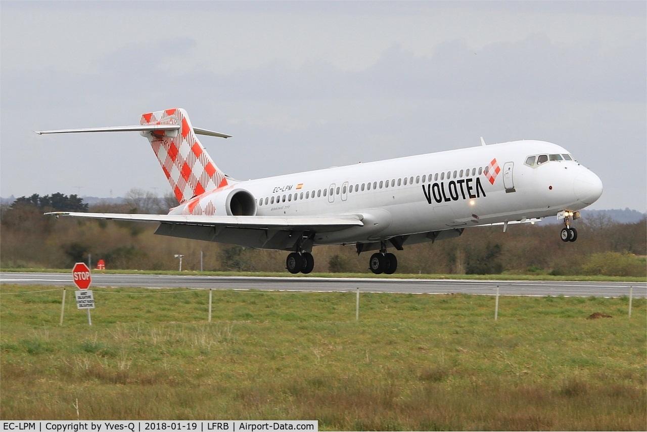 EC-LPM, 2005 Boeing 717-2BL C/N 55185, Boeing 717-2BL, Landing rwy 25L, Brest-Bretagne Airport (LFRB-BES)