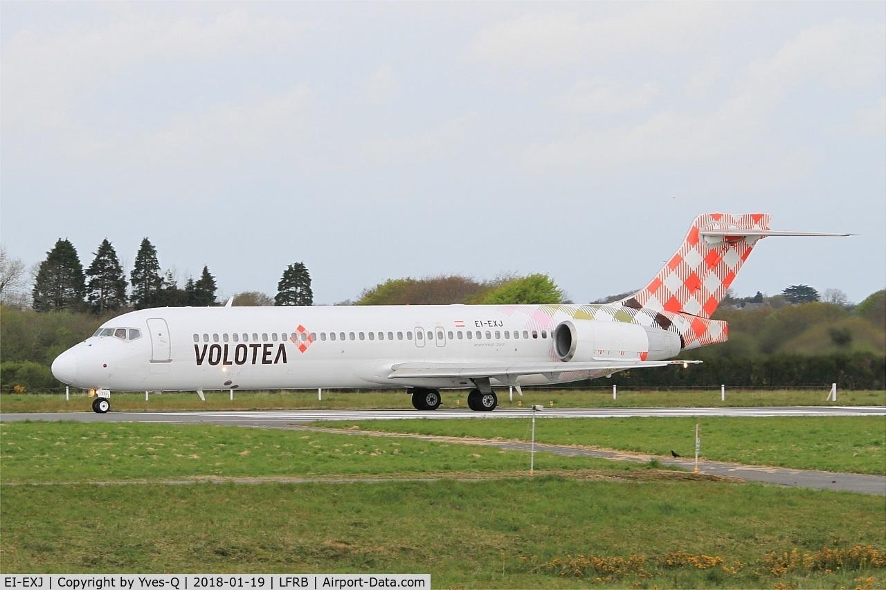 EI-EXJ, 2003 Boeing 717-2BL C/N 55176, Boeing 717-2BL, Take off run rwy 25L, Brest-Bretagne airport (LFRB-BES)