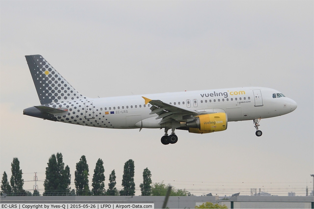 EC-LRS, 2008 Airbus A319-112 C/N 3704, Airbus A320-214, On final rwy 06, Paris-Orly Airport (LFPO-ORY)