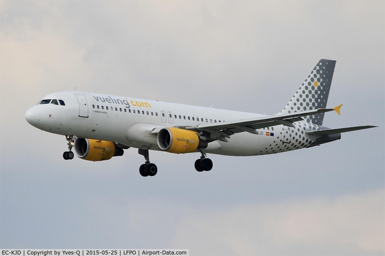 EC-KJD, 2007 Airbus A320-216 C/N 3237, Airbus A320-216, Short approach Rwy 26, Paris-Orly Airport (LFPO-ORY)