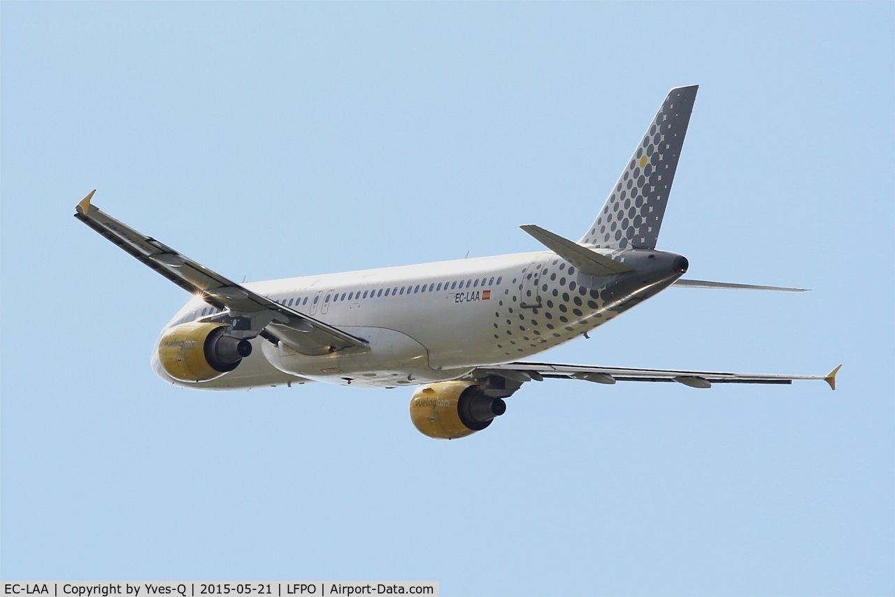 EC-LAA, 2006 Airbus A320-214 C/N 2678, Airbus A320-214, Take off rwy 24, Paris-Orly airport (LFPO-ORY)