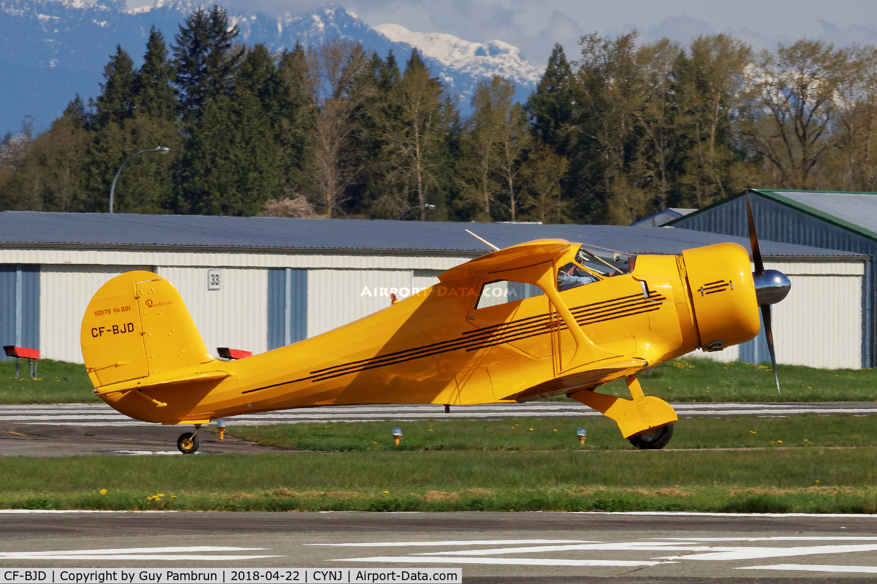 CF-BJD, 1938 Beech D17S Staggerwing C/N 201, Going for fuel