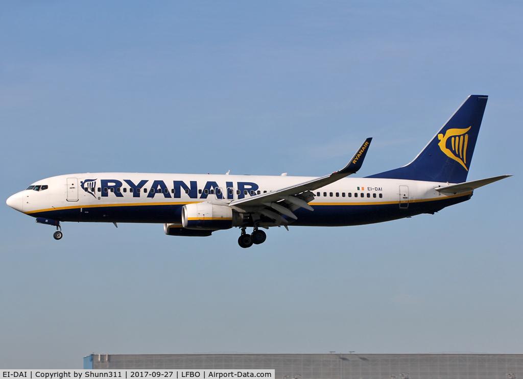 EI-DAI, 2003 Boeing 737-8AS C/N 33547, Landing rwy 14L