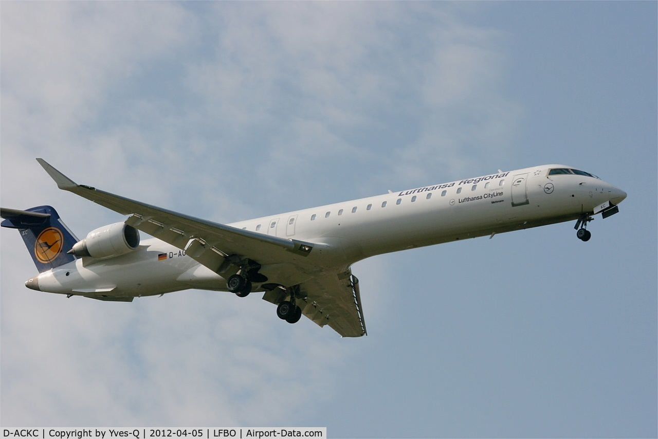 D-ACKC, 2006 Bombardier CRJ-900LR (CL-600-2D24) C/N 15078, Bombardier CRJ-900LR, On final Rwy 32L, Toulouse Blagnac Airport (LFBO-TLS)