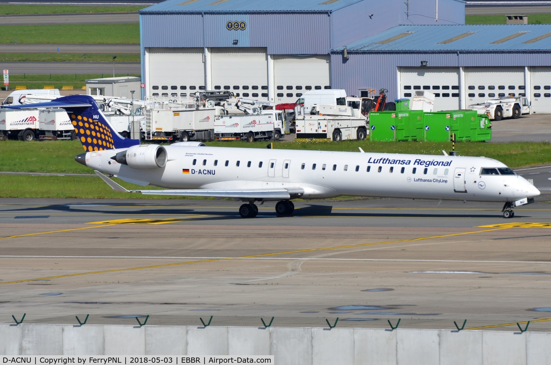 D-ACNU, 2011 Bombardier CRJ-900 NG (CL-600-2D24) C/N 15265, Lufthansa CL900 taxying out