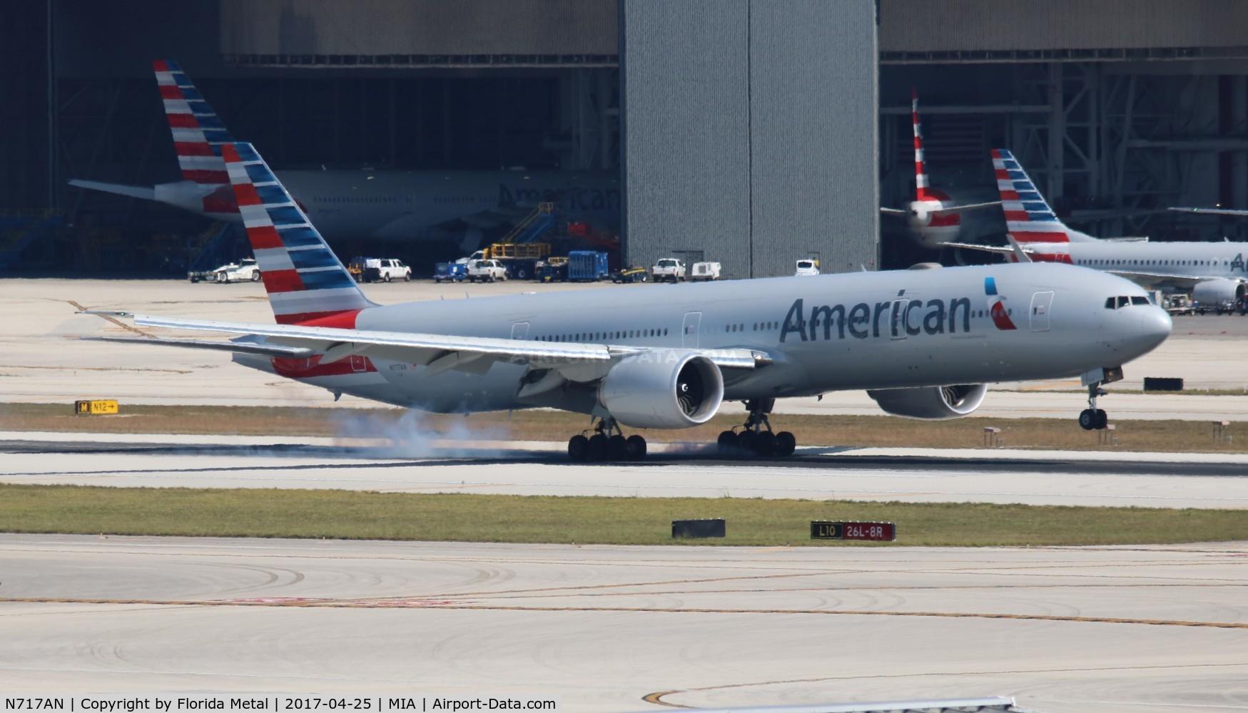 N717AN, 2012 Boeing 777-323/ER C/N 31543, American