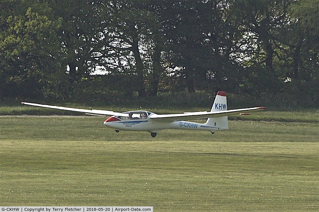 G-CKHW, 2004 PZL-Bielsko SZD-50-3 Puchacz C/N 503.A.004.001, At Camphill Farm , Great Hucklow , Derbyshire
