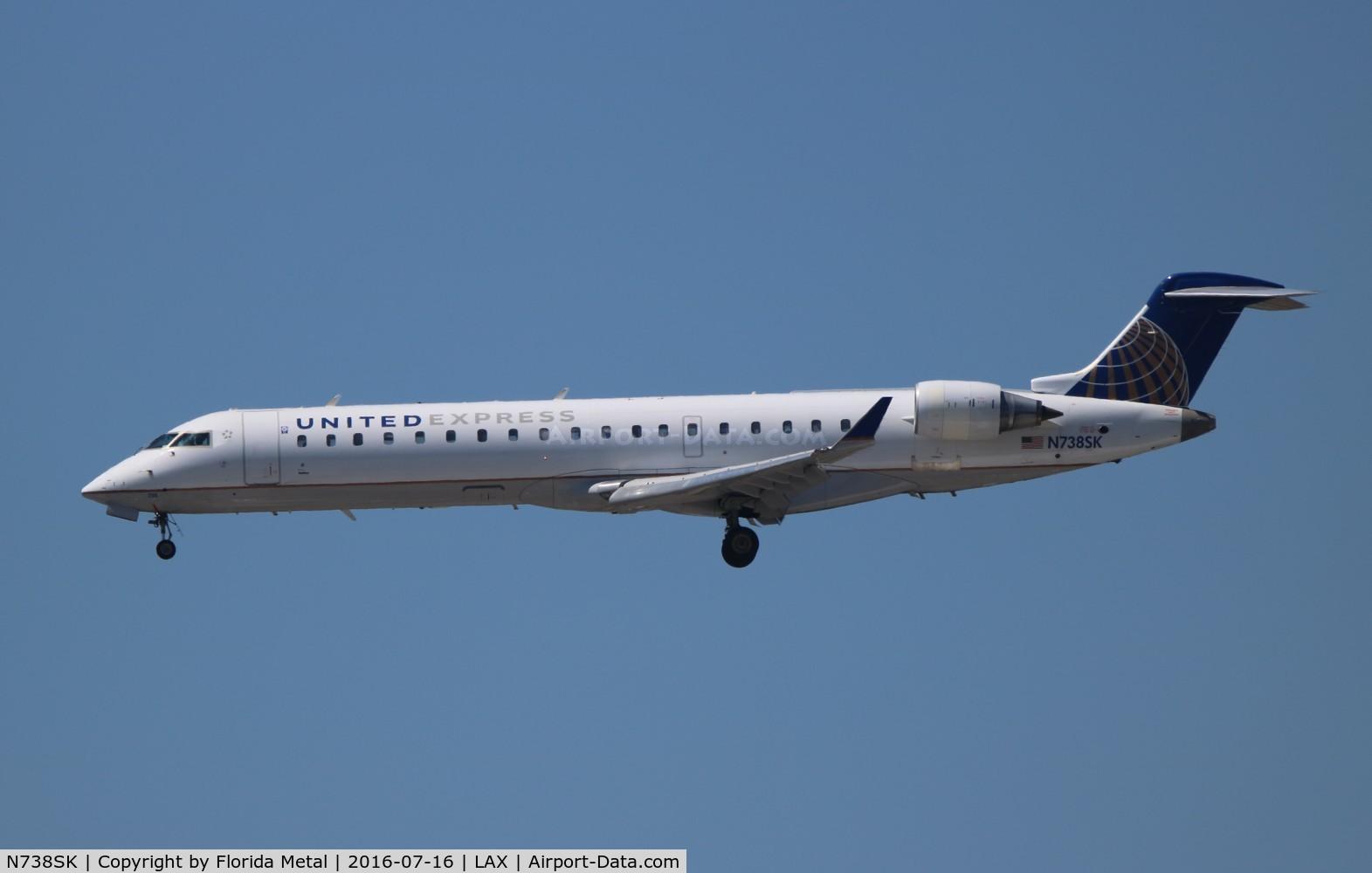 N738SK, 2005 Bombardier CRJ-700 (CL-600-2C10) Regional Jet C/N 10195, United Express