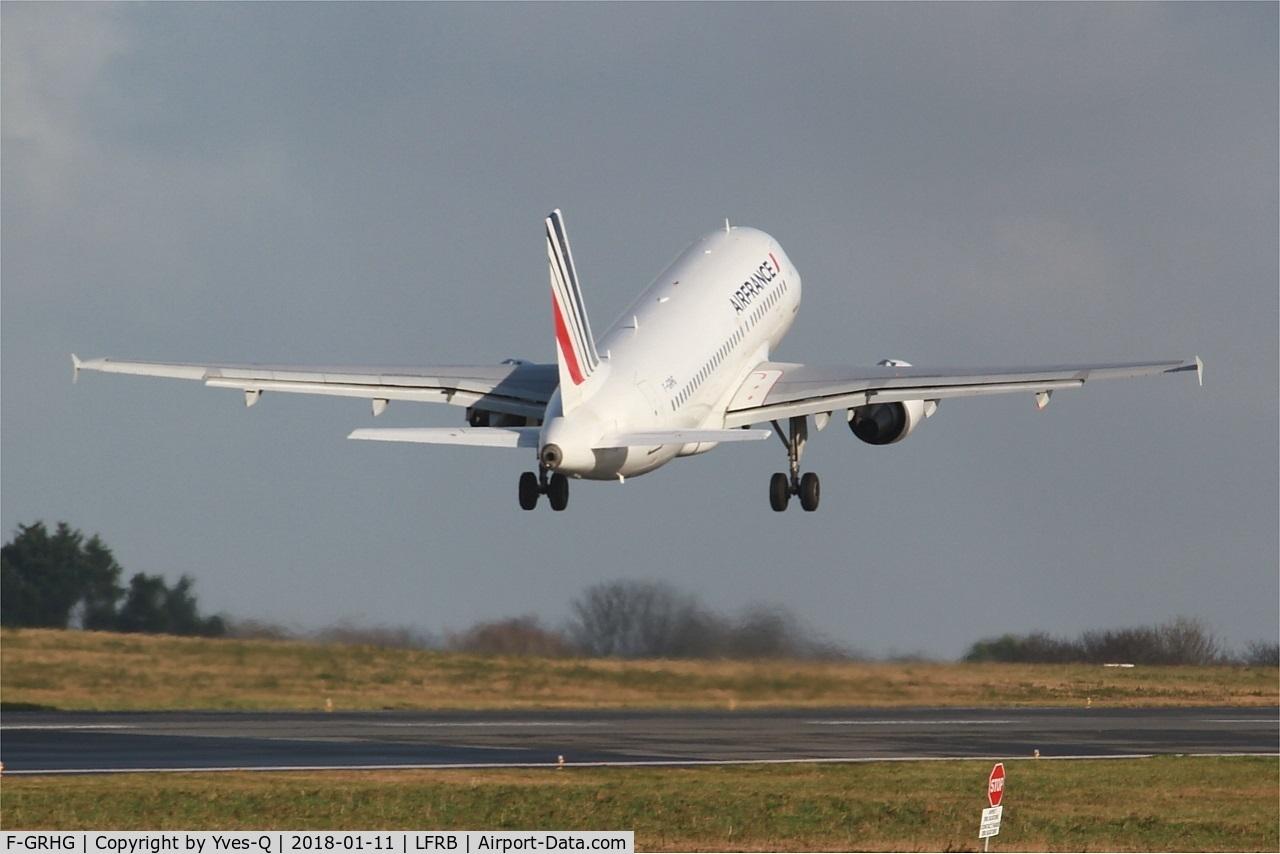 F-GRHG, 1999 Airbus A319-111 C/N 1036, Airbus A319-111, Take off rwy 07R, Brest-Bretagne airport (LFRB-BES)