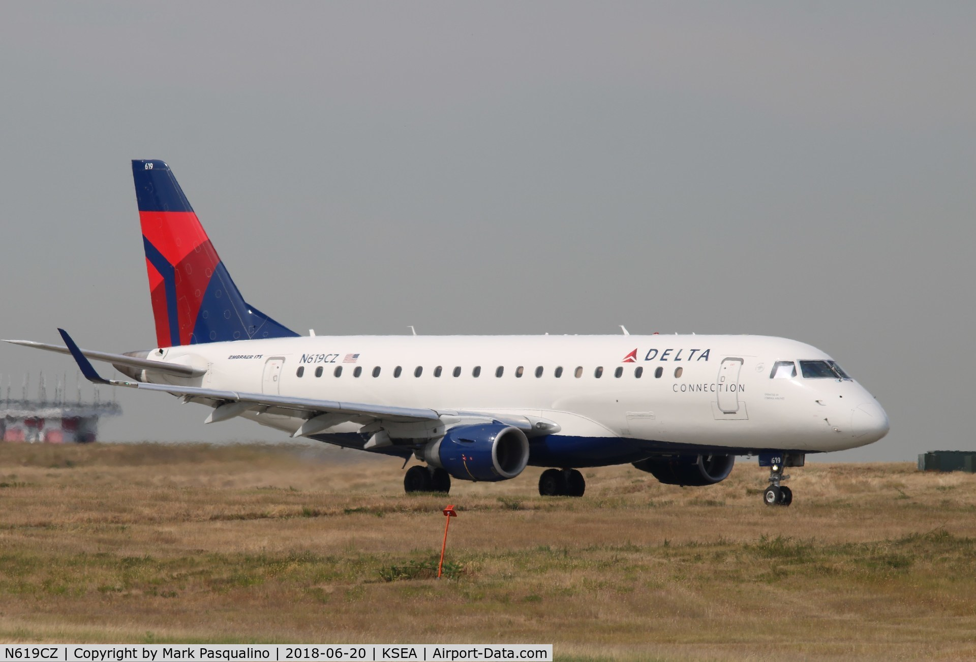 N619CZ, 2008 Embraer 175LR (ERJ-170-200LR) C/N 17000213, ERJ 170-200 LR