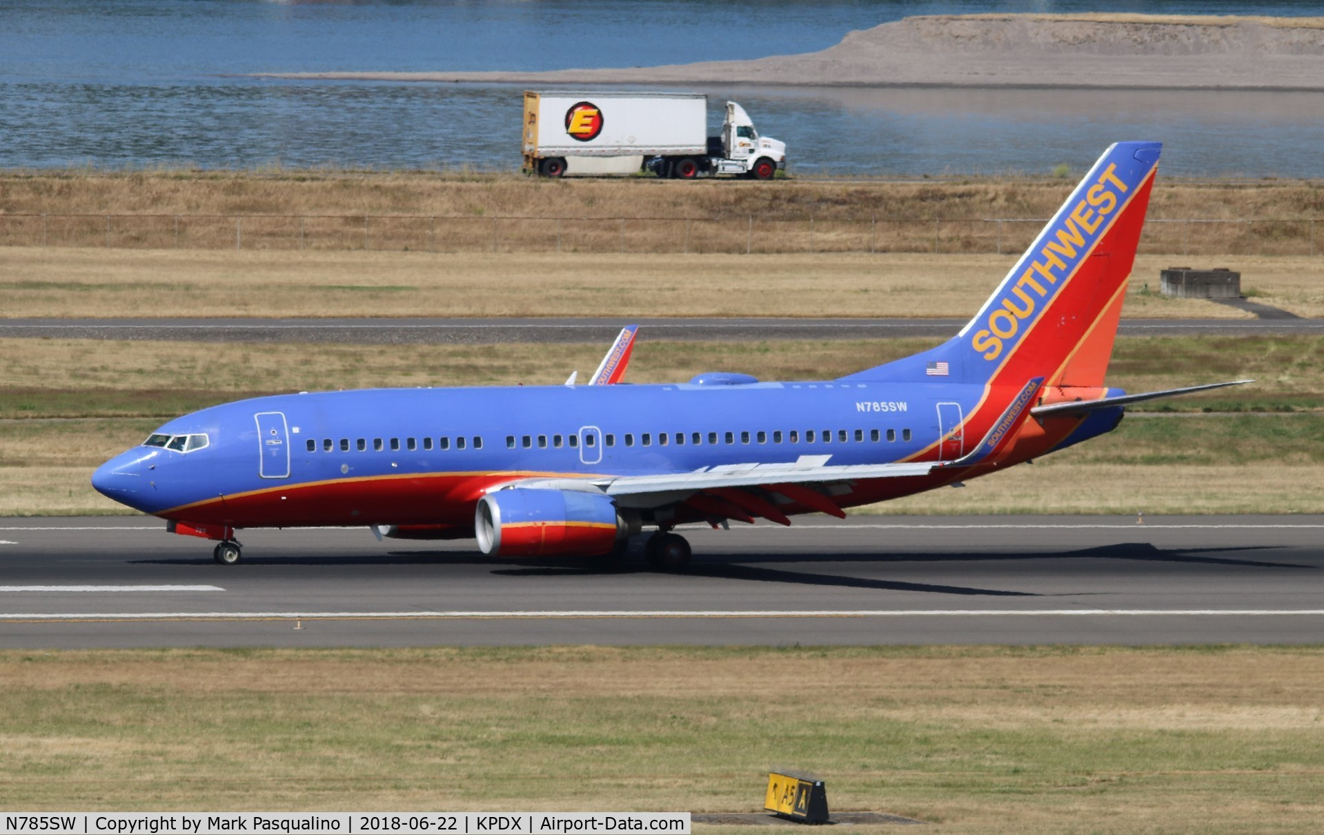 N785SW, 2000 Boeing 737-7H4 C/N 30602, Boeing 737-700