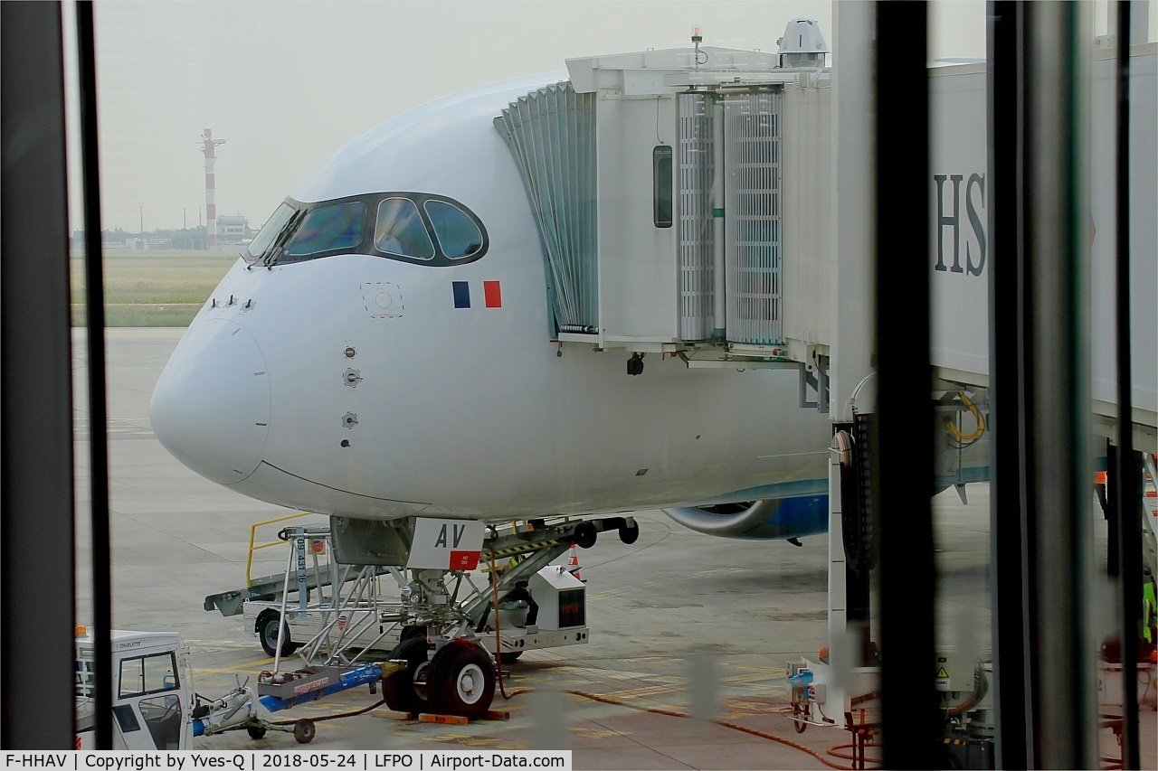 F-HHAV, 2016 Airbus A350-941 C/N 0082, Airbus A350-941, Boarding gate, Paris-Orly airport (LFPO-ORY)