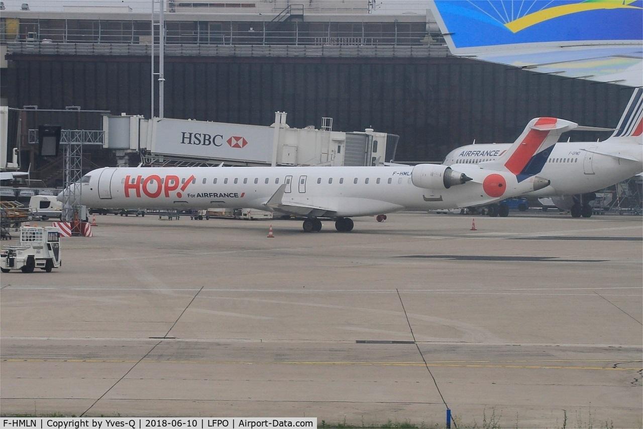 F-HMLN, 2012 Bombardier CRJ-1000EL NG (CL-600-2E25) C/N 19024, Bombardier CRJ-1000EL NG, Boarding area, Paris-Orly airport (LFPO-ORY)