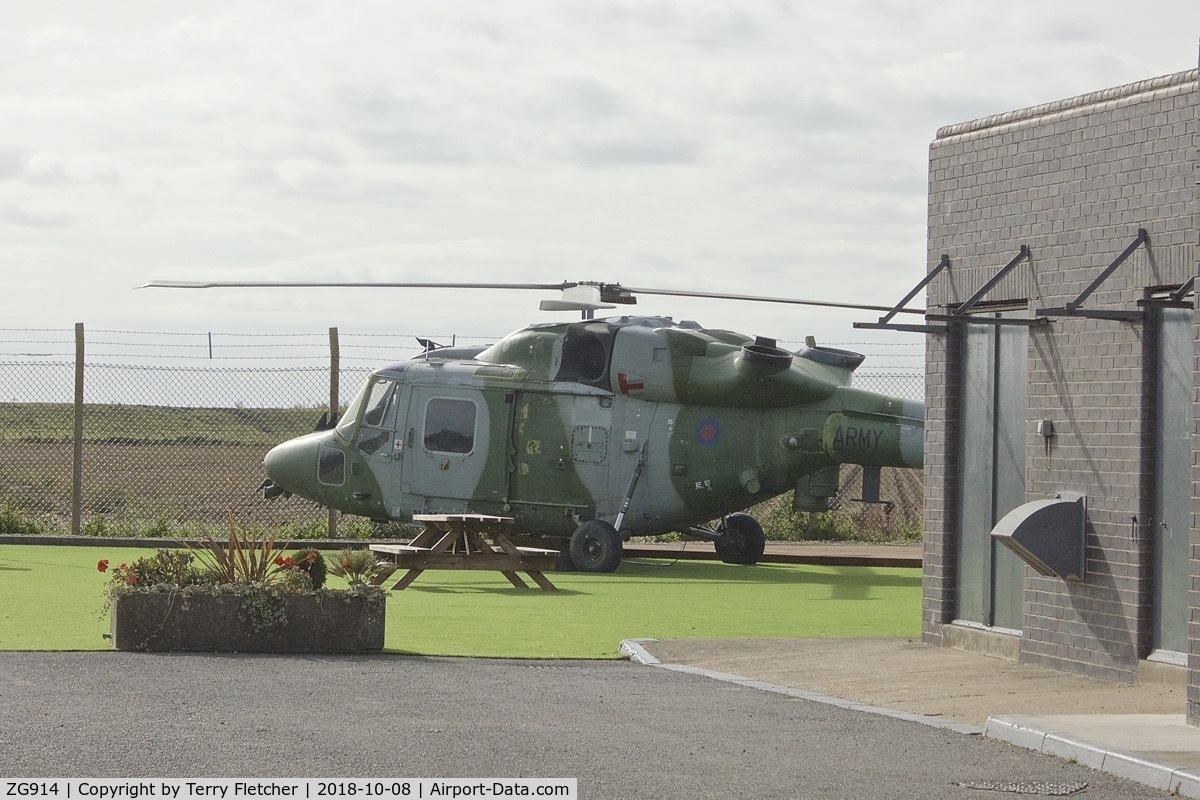 ZG914, 1991 Westland Lynx AH.9A C/N 353, Preserved at a private residence in Wainfleet St.Marys , Lincolnshire
