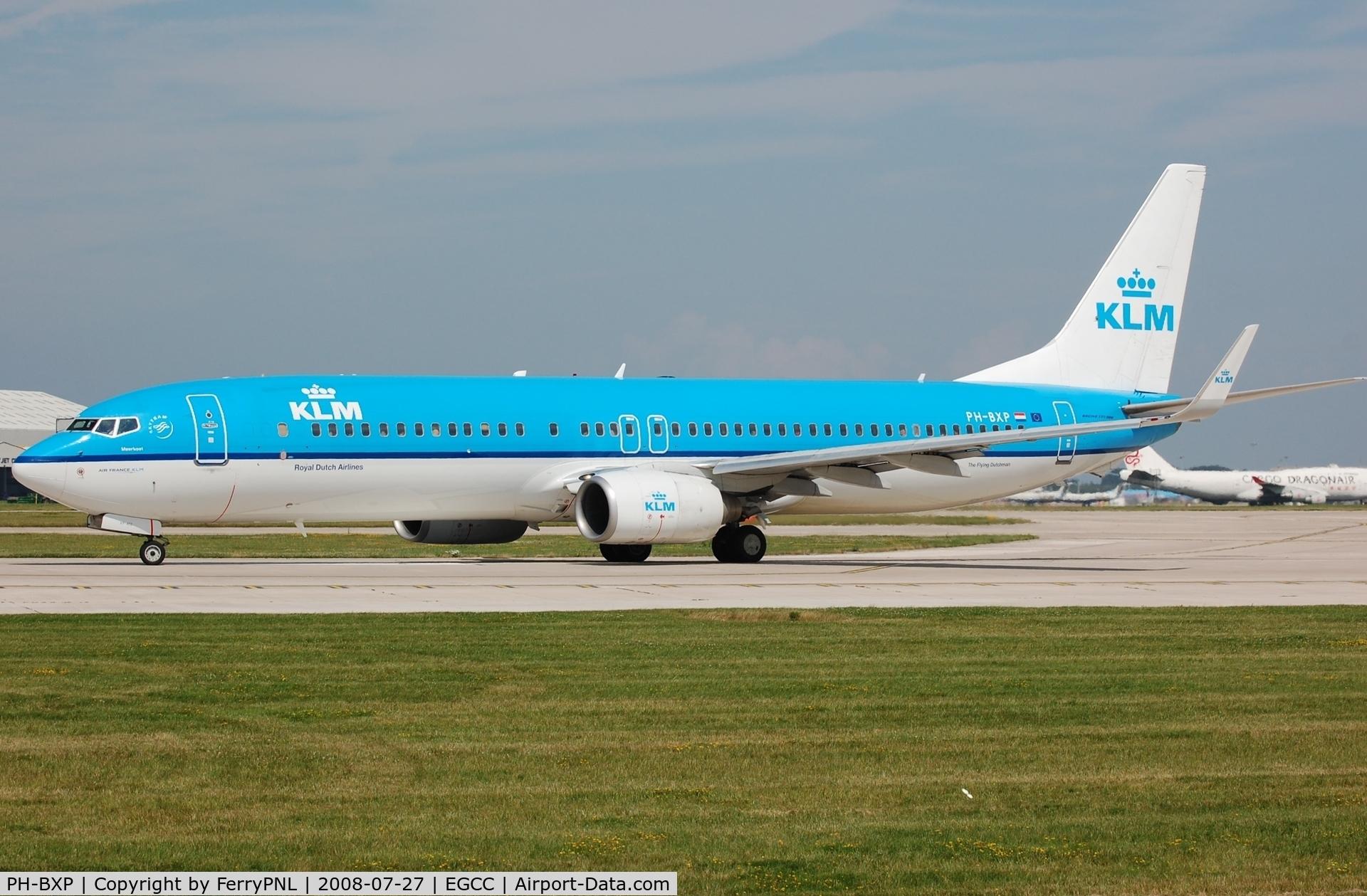 PH-BXP, 2001 Boeing 737-9K2 C/N 29600, KLM B739 for departure