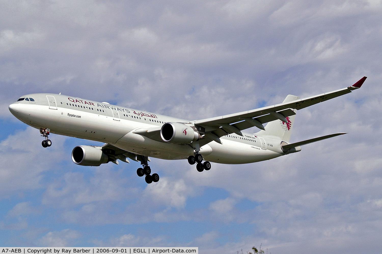 A7-AEB, 2004 Airbus A330-302 C/N 637, A7-AEB   Airbus A330-302 [637] (Qatar Airways) Heathrow~G 01/09/2006. On finals 27L.