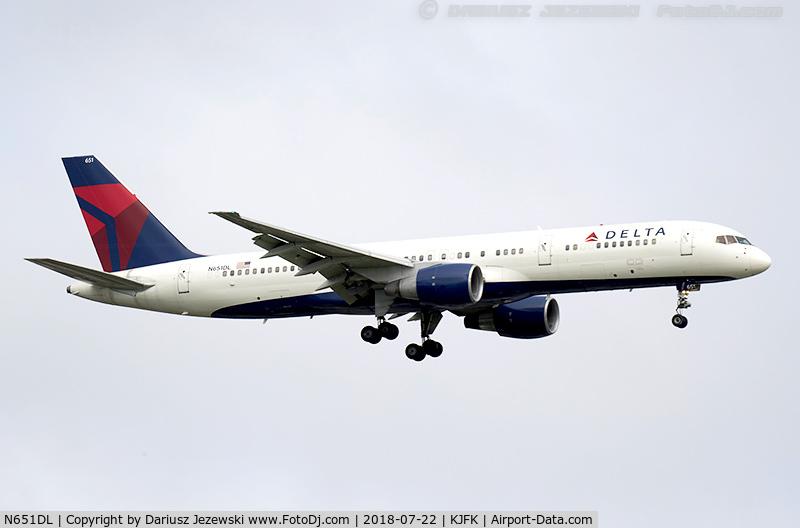 N651DL, 1989 Boeing 757-232 C/N 24391, Boeing 757-232 - Delta Air Lines  C/N 24391, N651DL
