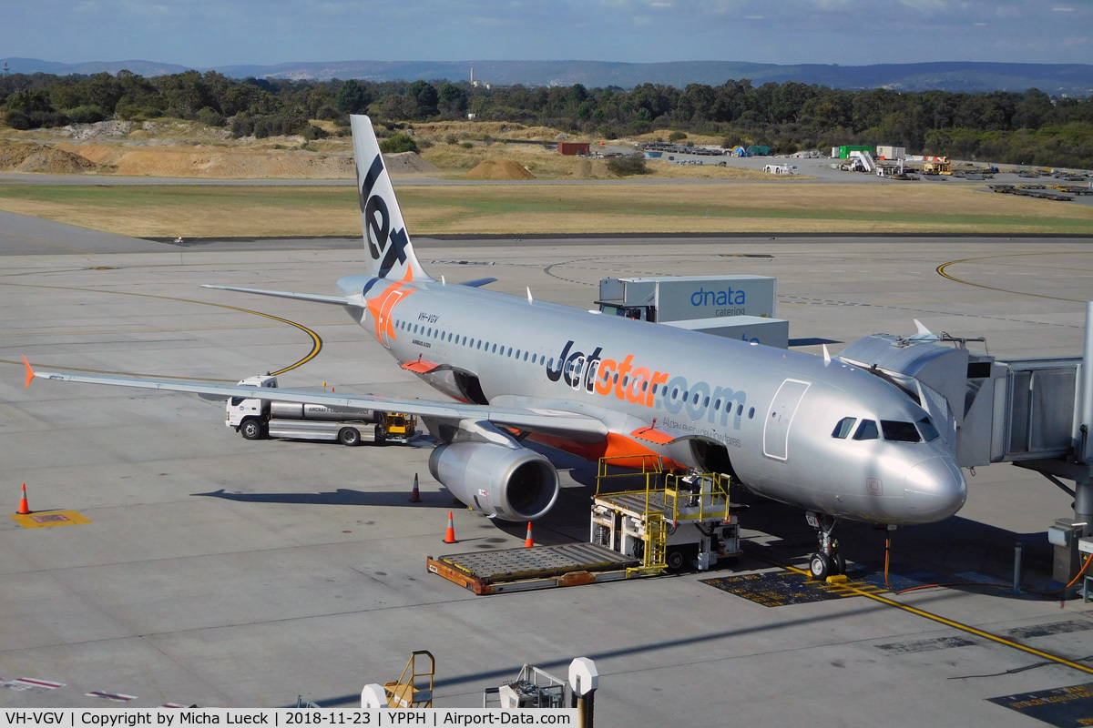 VH-VGV, 2010 Airbus A320-232 C/N 4229, At Perth
