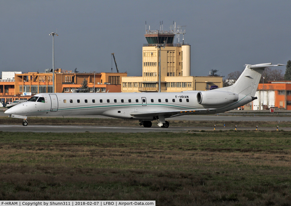 F-HRAM, 2000 Embraer EMB-145LU (ERJ-145LU) C/N 145258, Lining up rwy 32R for departure...