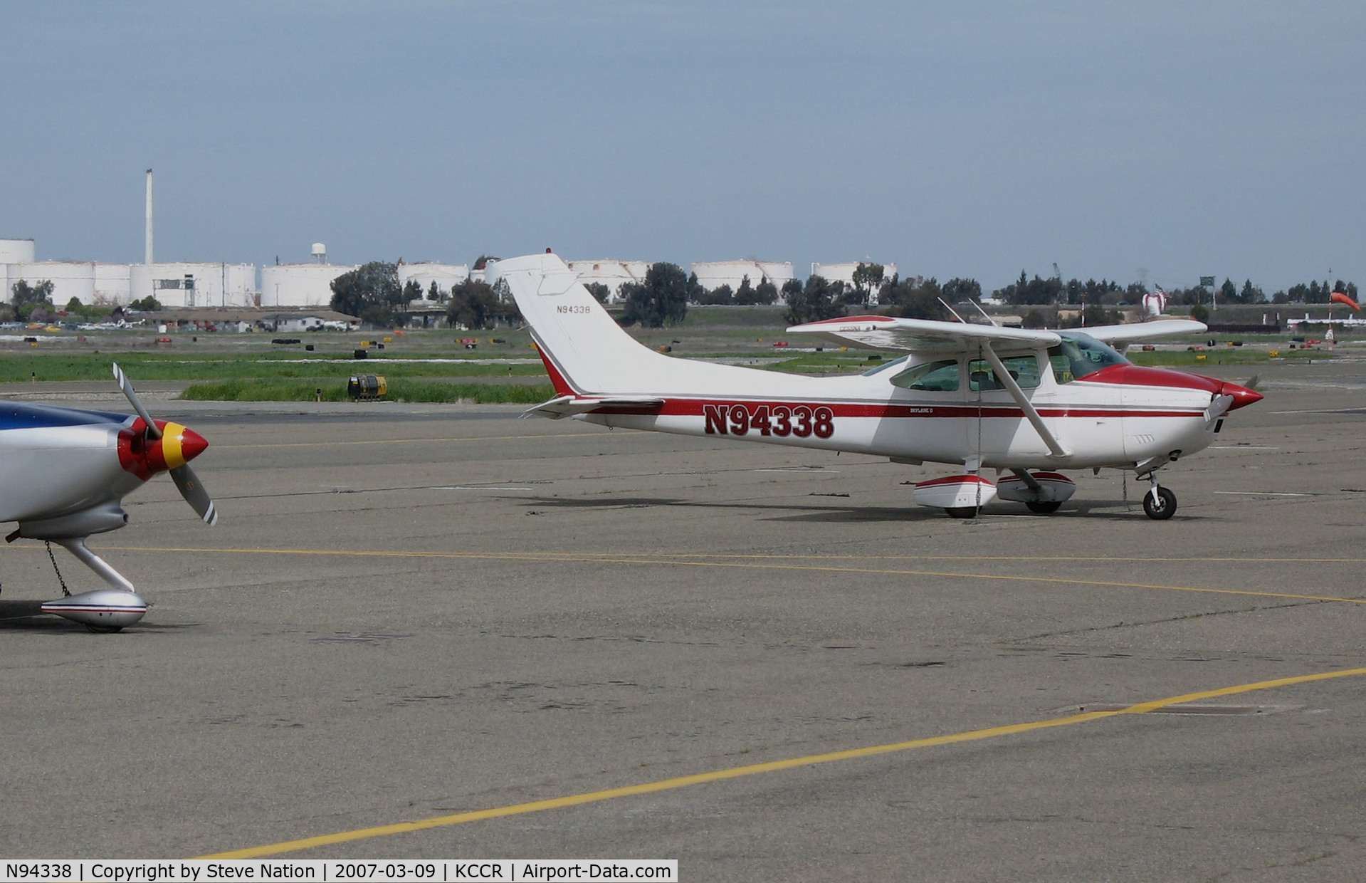 N94338, 1978 Cessna 182Q Skylane C/N 18266415, Napa County Airport, CA-based 1978 Cessna 182Q on Buchanan Field (Concord, CA) transient ramp