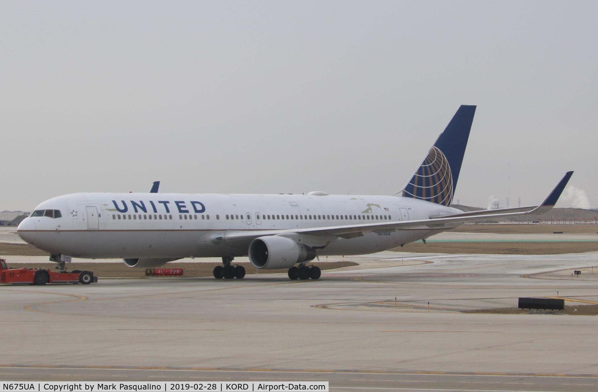 N675UA, 2000 Boeing 767-322 C/N 29243, Boeing 767-322