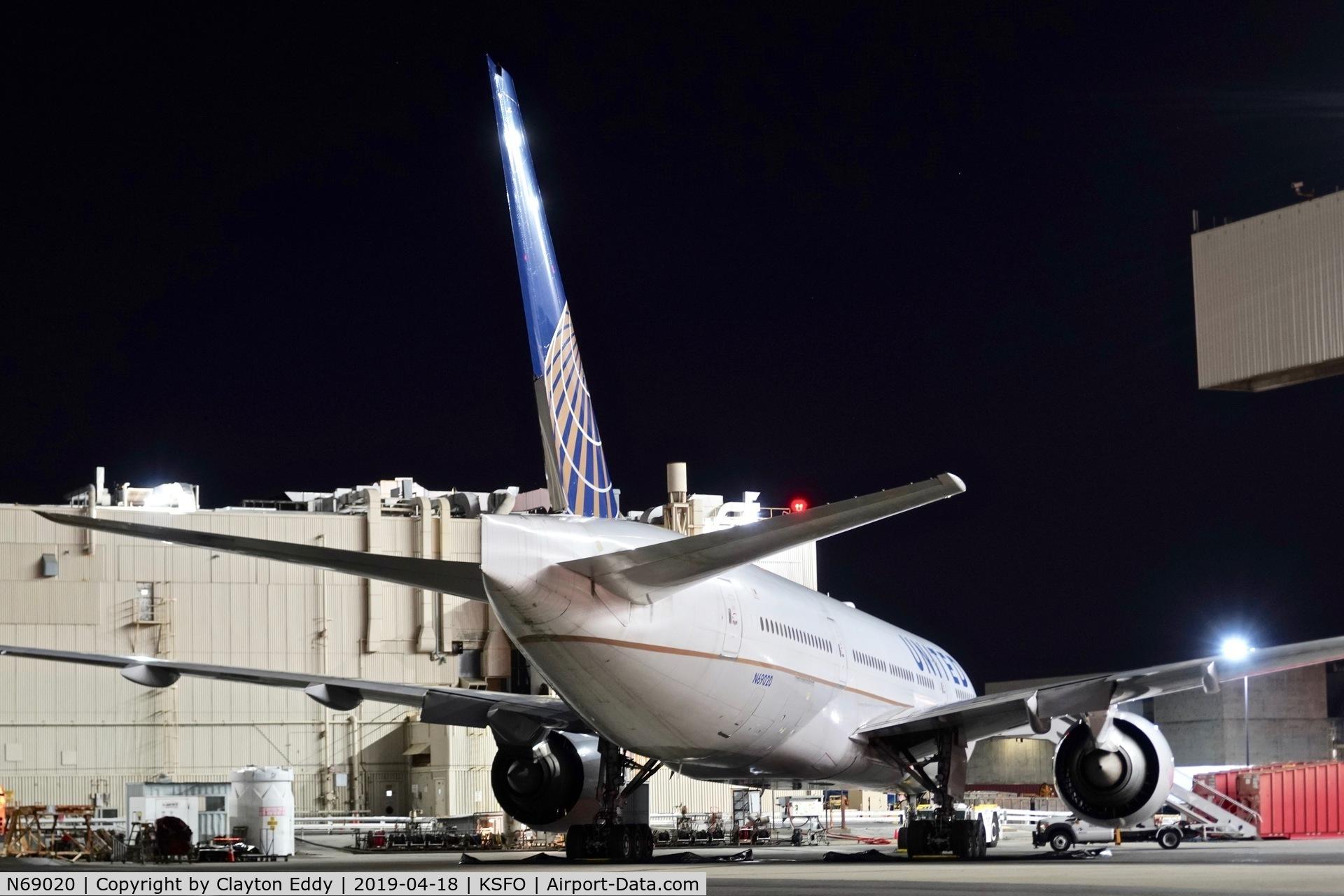 N69020, 2007 Boeing 777-224 C/N 31687, SFO 2019.