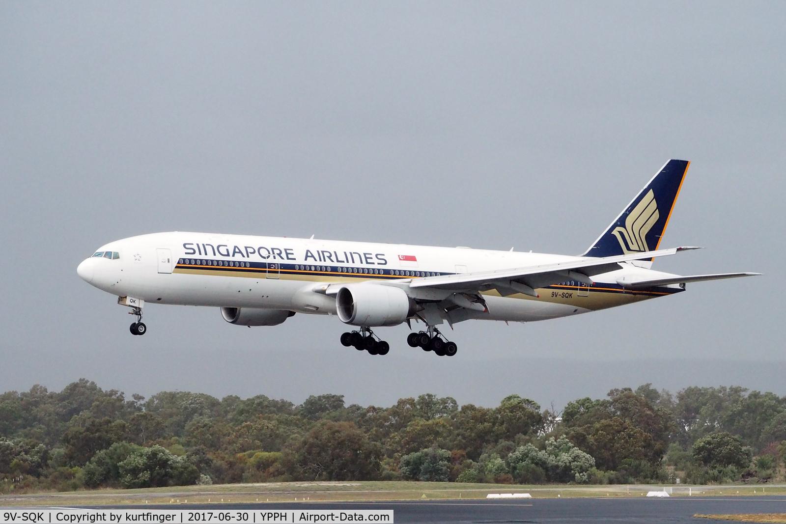 9V-SQK, 2003 Boeing 777-212/ER C/N 33368, Boeing 777-212(ER) Singapore Airlines 9V-SQK. Short final runway 03, YPPH 30/06/17.