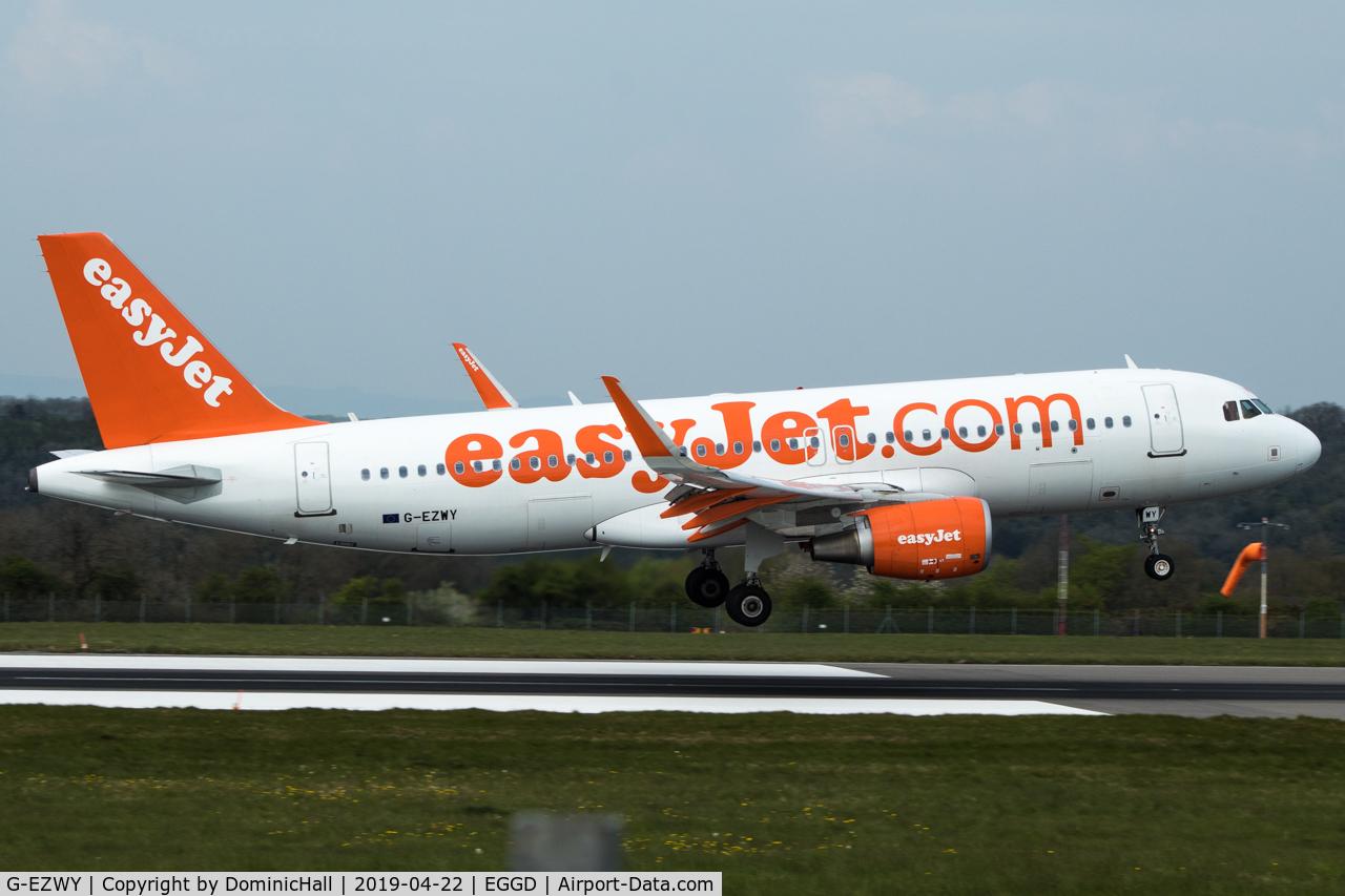 G-EZWY, 2014 Airbus A320-214 C/N 6267, Landing RWY 09