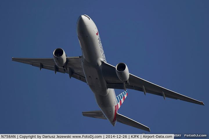 N758AN, 2001 Boeing 777-223 C/N 32637, Boeing 777-223/ER - American Airlines  C/N 32637, N758AN