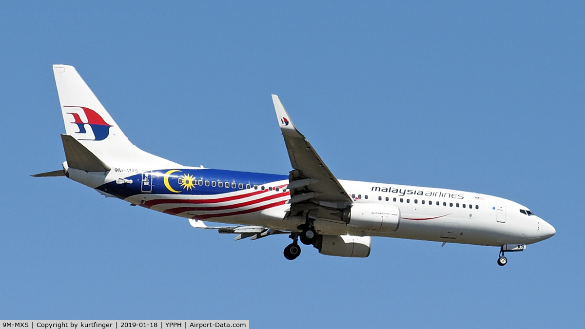9M-MXS, 2014 Boeing 737-8H6 C/N 40156, Boeing 737-8H6. Malaysian Airlines 9M-MXS. Final for runway 21, YPPH 18/01/19.